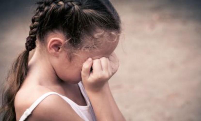 Мать с отчимом накачивали наркотиками и насиловали школьницу ради съемки порно на Кубани