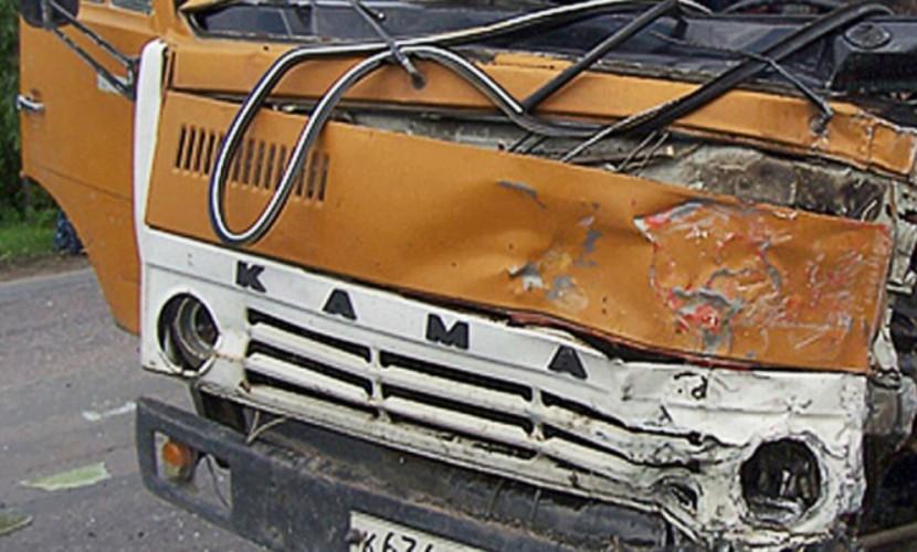 Три человека погибли в ДТП с участием грузовика в Ростовской области