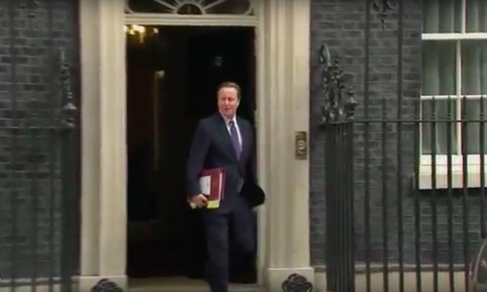 Кэмерон освободил для Мэй пост британского премьер-министра и квартиру на Даунинг-стрит, 10