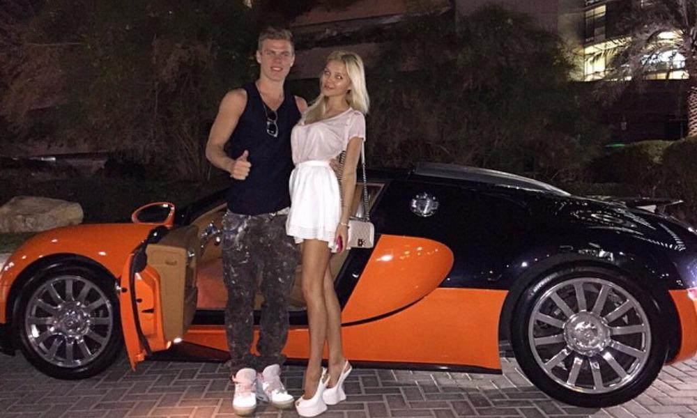 Кокорин через несколько часов после извинений перед страной планировал купить машину за 12 миллионов