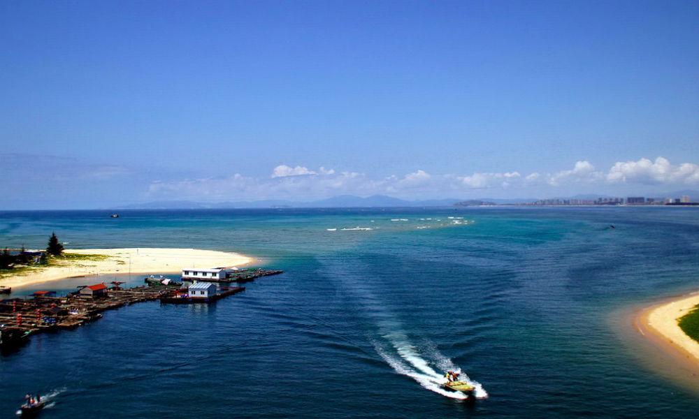 Гаагский суд объявил об отсутствии у Китая прав на ряд островов и шельф в Южно-Китайском море