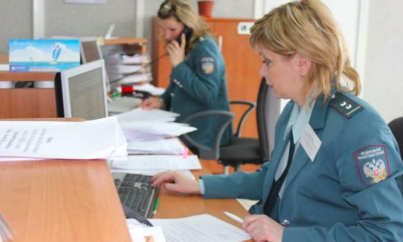 Чиновники задумались о контроле за крупными расходами жителей России