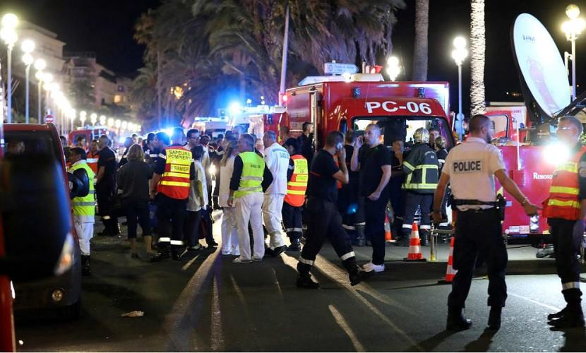 80 человек погибли и более 120 ранены во время теракта в Ницце