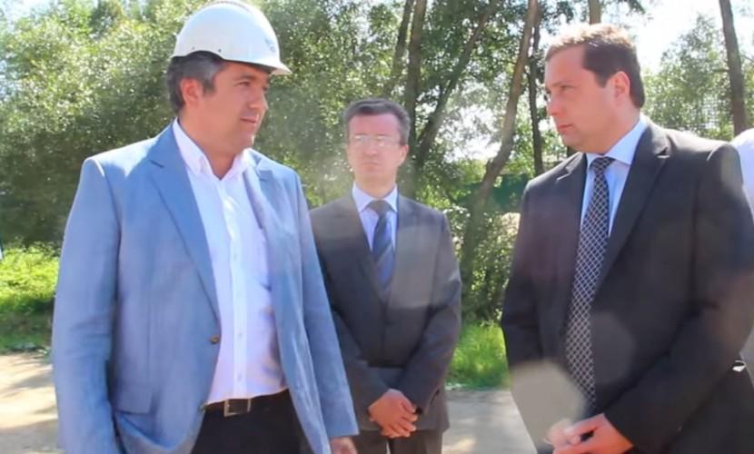 Близкий губернатору Смоленской области подрядчик выводил бюджетные средства в Великобританию