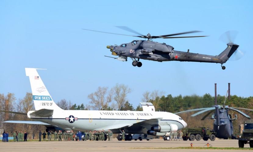 Американский наблюдательный самолет при полете из Улан-Удэ в Якутск экстренно сел в Хабаровске