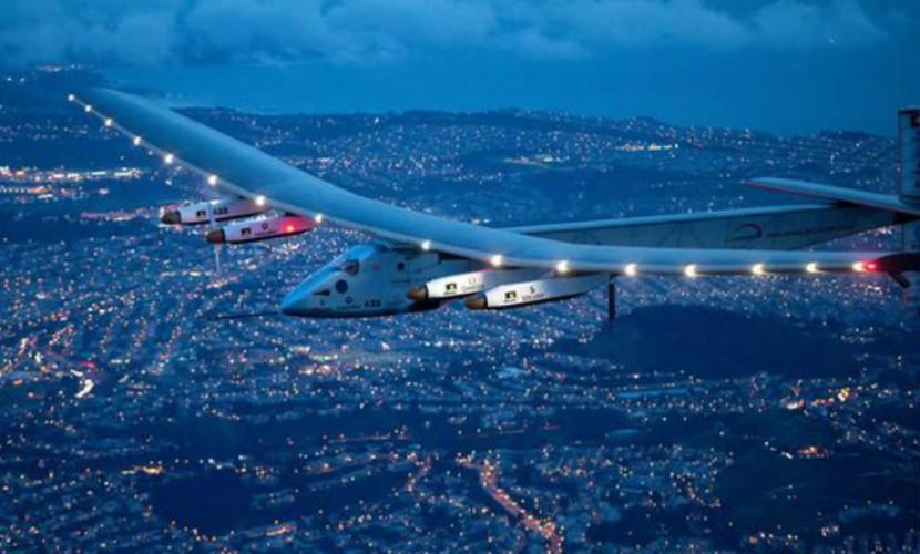 Самолет насолнечных батареях завершил кругосветку вАбу-Даби