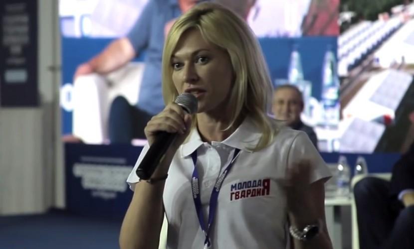Скандальная депутат-единоросс Стенякина получила за хамство 600 «айфонов»