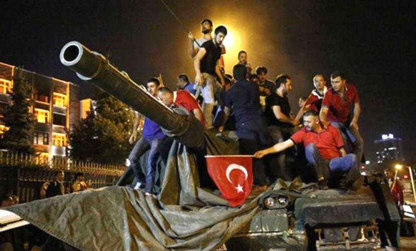 При попытке госпереворота в Турции погибли 90 человек и 1154 - получили ранения
