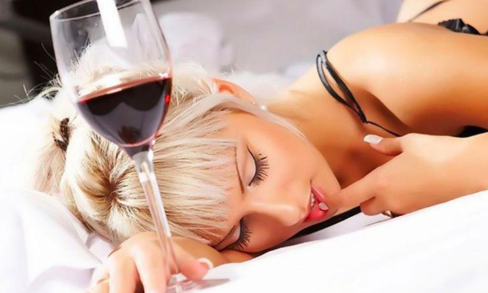 Секрет жизни дольше 100 лет с помощью секса и вина назвали ученые