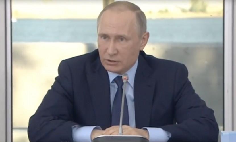 Путин: внутренний водный транспорт РФ необходимо развивать
