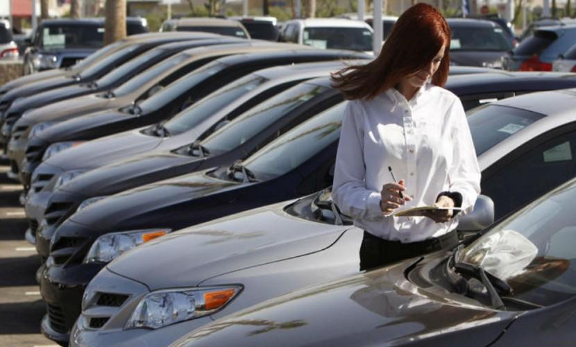 Продажи новых легковых авто в РФ всередине лета уменьшились на16,6%