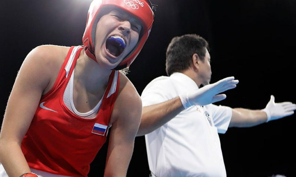 Россиянка Белякова покинула ринг на инвалидной коляске после боя за бронзу Олимпиады-2016