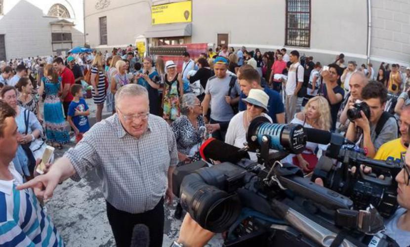 Жириновский объявил о спасении россиян от нищеты с помощью барахолок