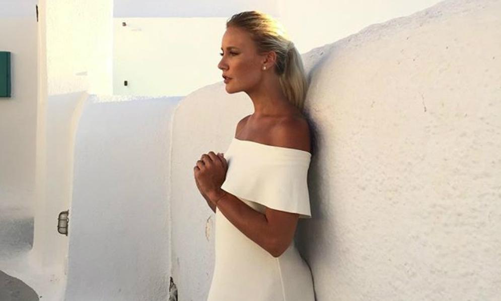 Телеведущая Елена Летучая опубликовала свадебный снимок на вулкане и помолилась