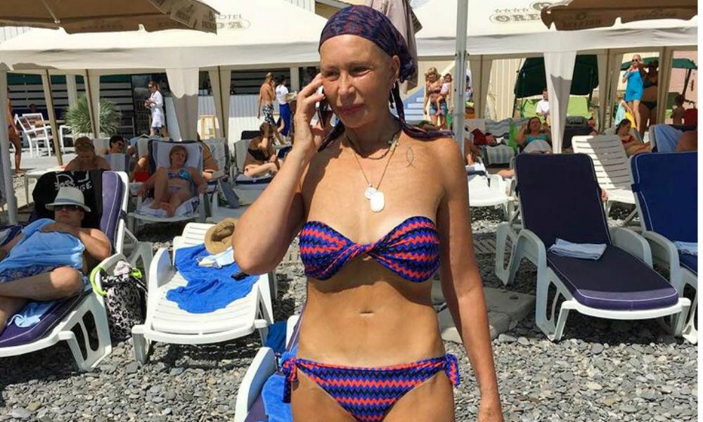 Садальский опубликовал фото актрисы Васильевой в купальнике с юным поклонником