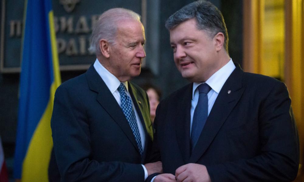 Порошенко пожаловался Байдену на военные учения России у границ и попросил денег