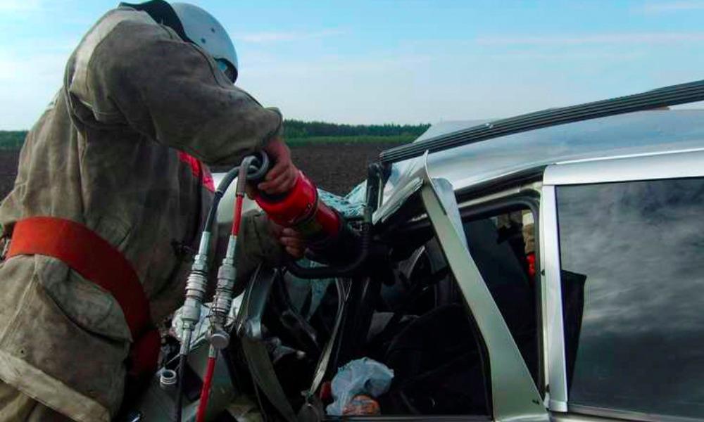 Пассажирский автобус съехал в кювет с горной дороги и упал с обрыва в Крыму, есть погибшие