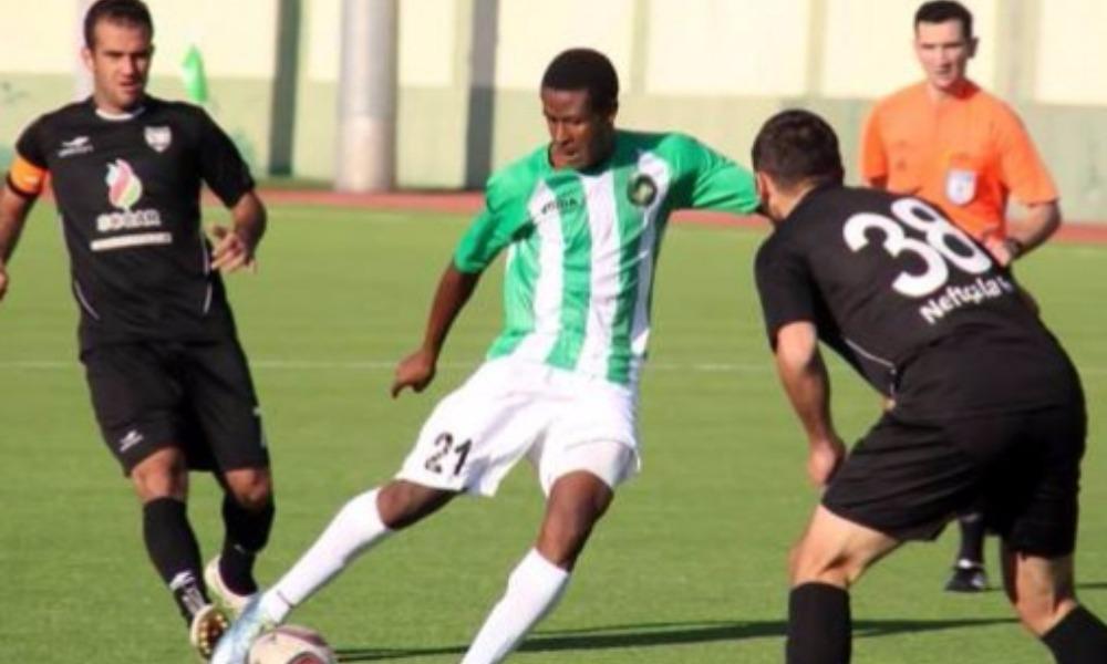 Молодой нигериец скончался на футбольном поле во время тренировки в Азербайджане