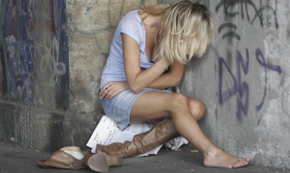 Девушке после развлечений в камчатском кафе пришлось в ужасном месте насильно заняться сексом с иностранцем