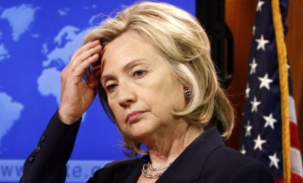 Американские пользователи Сети озаботились пошатнувшимся здоровьем Хиллари Клинтон