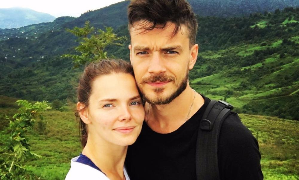 Влюбленная в Грузию Елизавета Боярская опубликовала фотографии каникул вместе с мужем и подругами