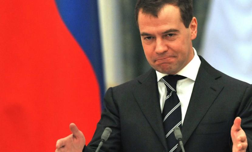 Медведев задекларировал заработок  в8,8 млн руб.