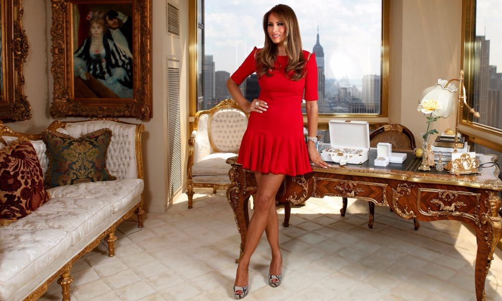 Для Меланьи Трамп сшили белые туфли на шпильках - специально для триумфального входа в Белый дом