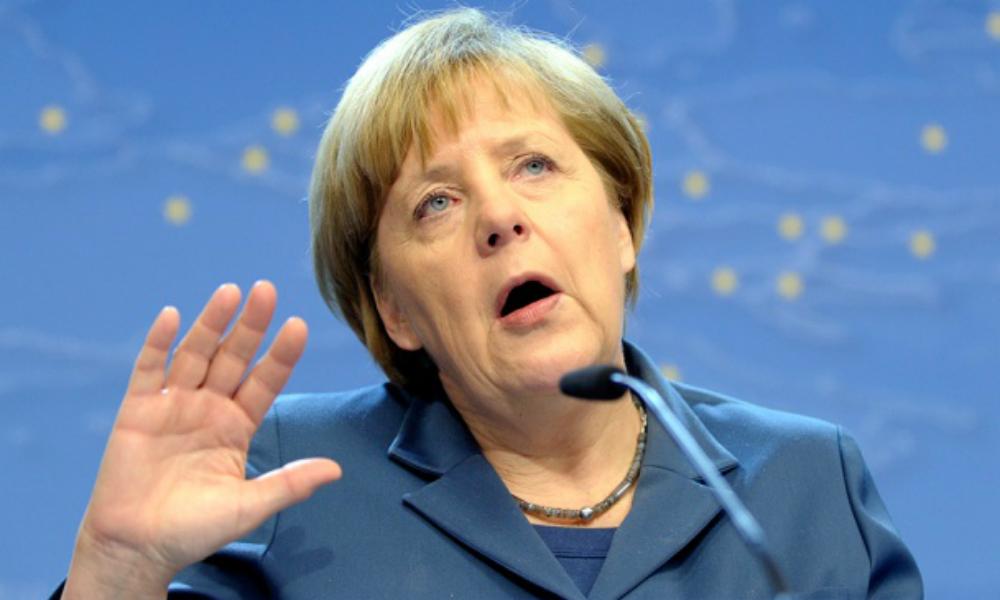 Ангела Меркель заявила, что снимать санкции с России пока рано