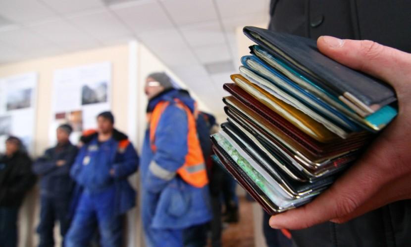 Житель Подмосковья вместе со стройматериалами получил записку от рабов с лесопилки