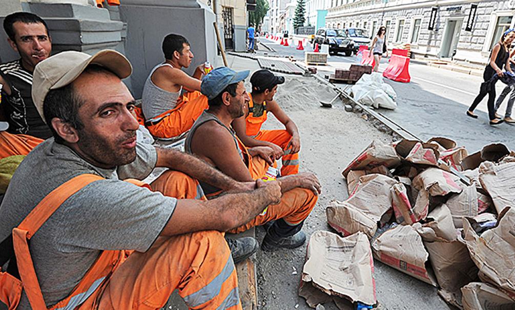 Трудовые мигранты принесли больший доход Москве, чем нефтегазовые компании