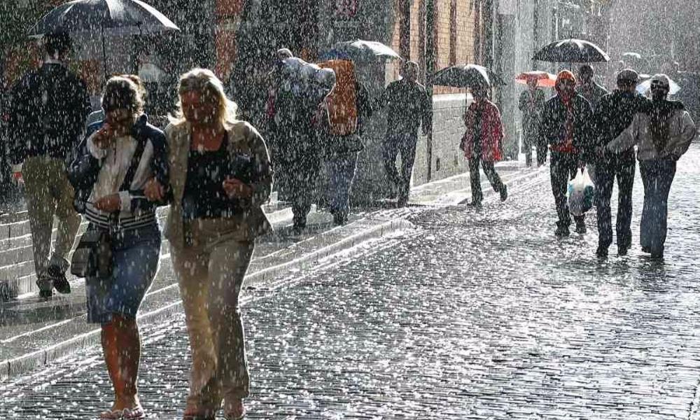 Метеорологи предупредили жителей столичного региона о грядущих трехдневных грозовых дождях