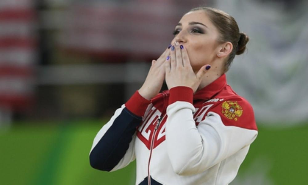 Красавица Алия Мустафина принесла олимпийской команде России восьмое золото