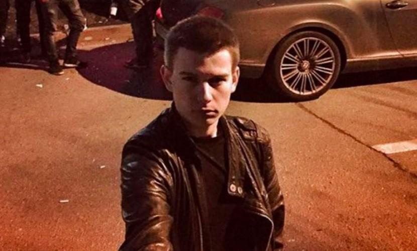 В столицеРФ  «богатые русские дети» устроили впарке заезд на БМВ