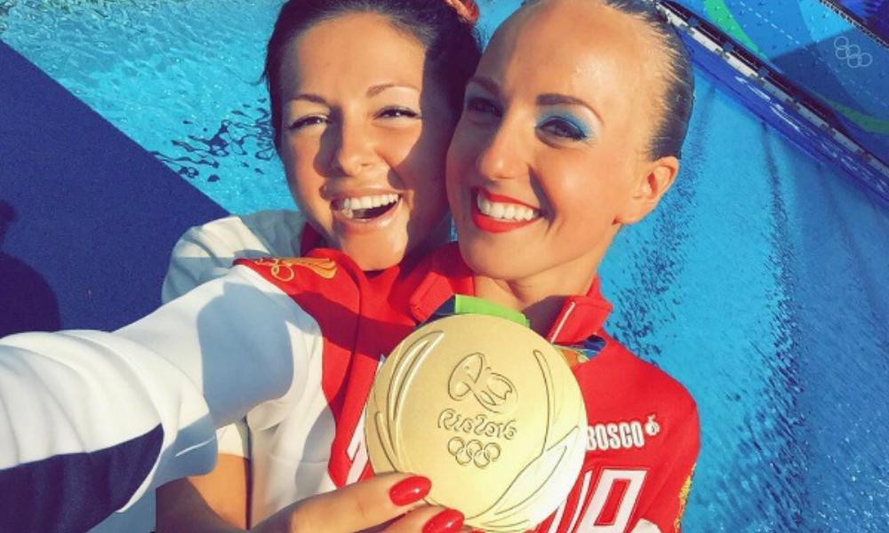 Певица Нюша расплакалась во время фантастического выступления сестры-чемпионки на Олимпиаде