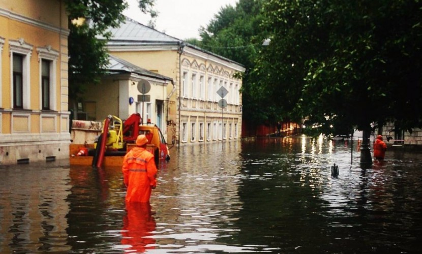 В центре России из-за наступающего атмосферного фронта объявили оранжевый уровень опасности погоды