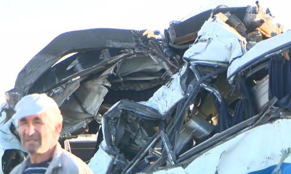 Двое военнослужащих-контрактников погибли при столкновении «Газели» и легковушки в Дагестане