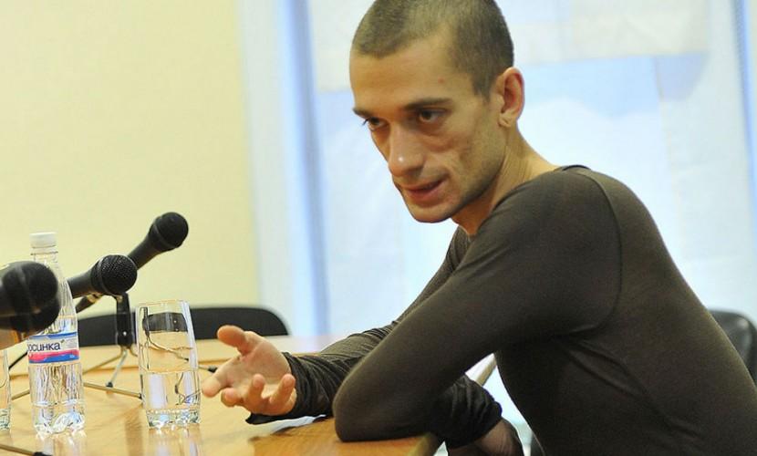 ВОдессе навстрече сроссийским художником Павленским возникла драка, пострадал охранник