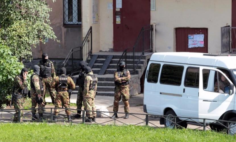 ФСБ оплатит ремонт подъезда в северной столице, где прошла спецоперация