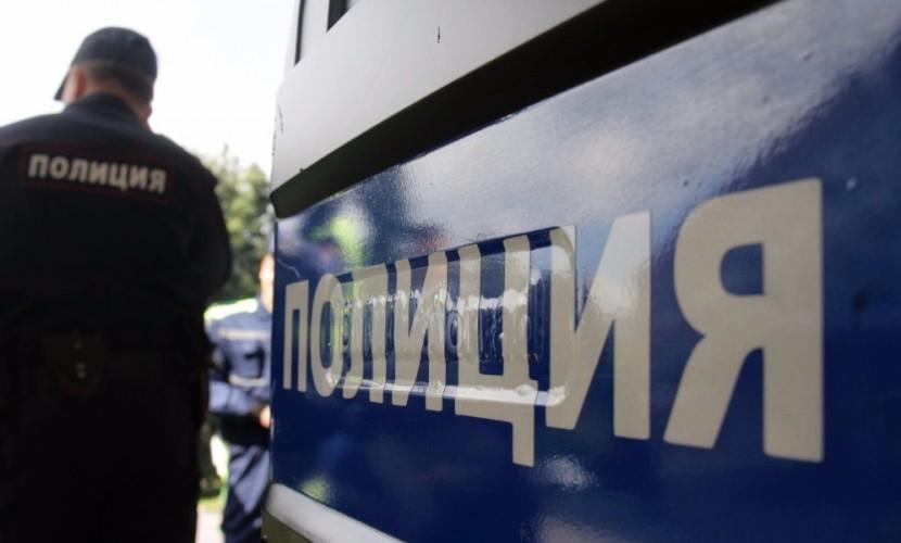 Полицейские узнали об ограблении пенсионера из брошенной бутылки с запиской в Москве