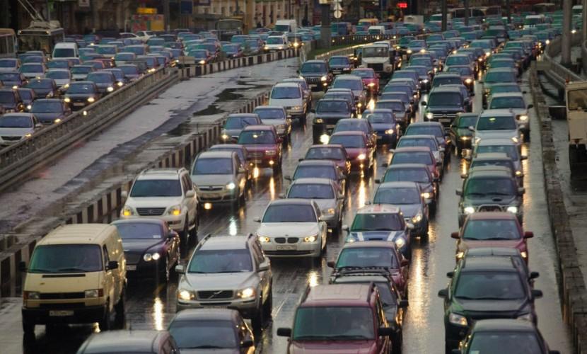 Дорожные пробки несут серьезную опасность для здоровья людей