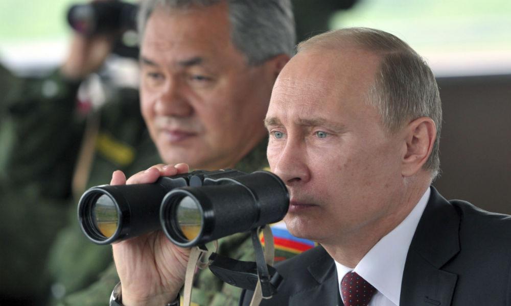 Внезапная проверка боеготовности войск началась в России по поручению Путина