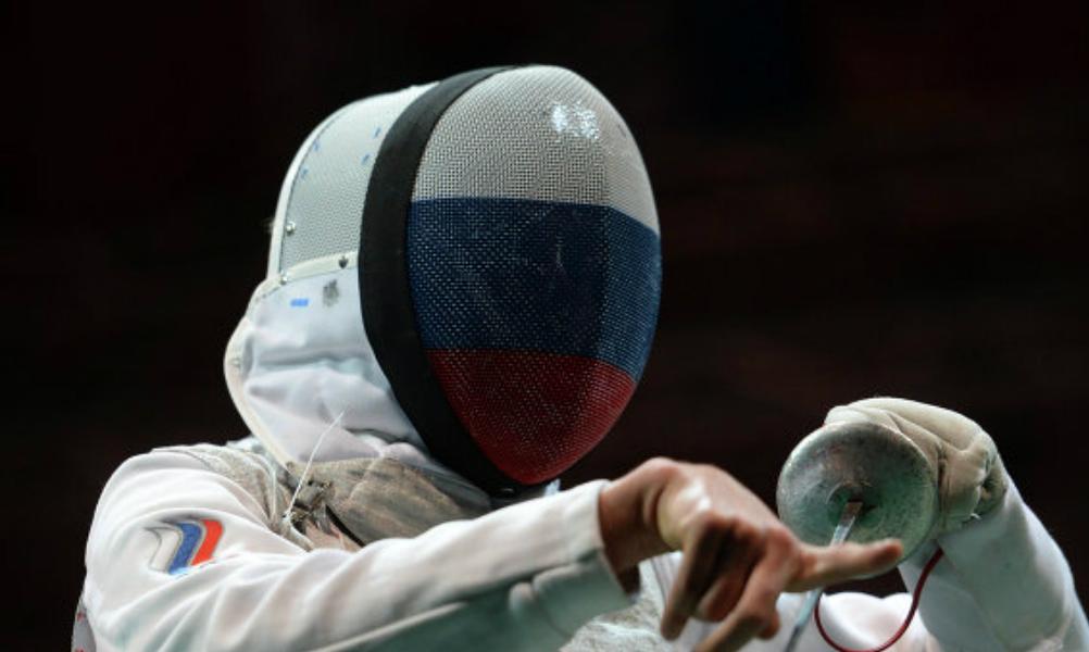 Это пять! Рапиристы из России вырвали золото Олимпиады в командных соревнованиях у Франции