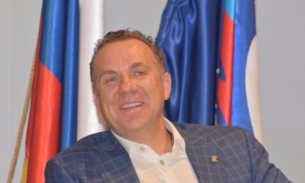 Единоросс Грищенко после 40 поездок в Израиль без разрешения покинул пост главы Саратова