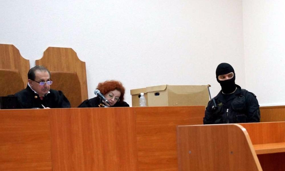 Вынесший приговор украинской военнослужащей Савченко жесткий судья подал в отставку