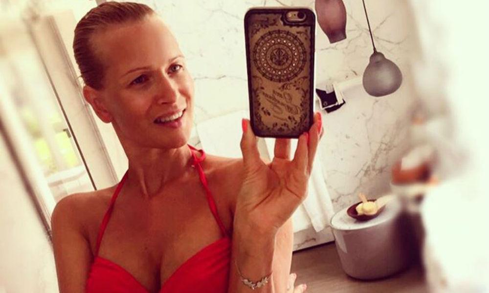 Красотка Олеся Судзиловская показала на откровенном фото неожиданно выросшую соблазнительную грудь