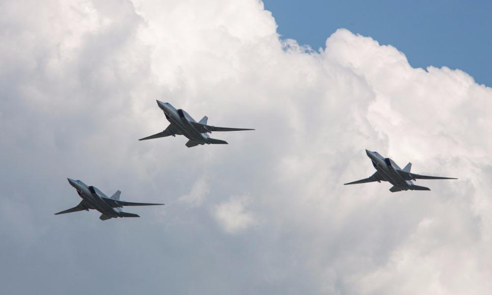 Взлетевшие в России дальние бомбардировщики Ту-22М3 уничтожили боевиков ИГ близ сирийской Пальмиры