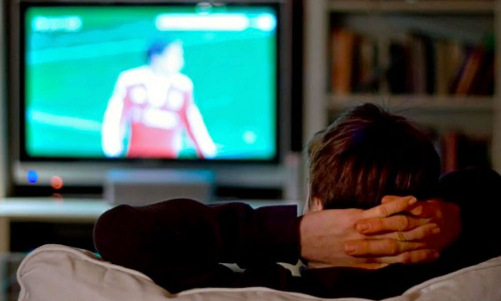 Коварную опасность просмотра телевизора для мужского здоровья открыли ученые