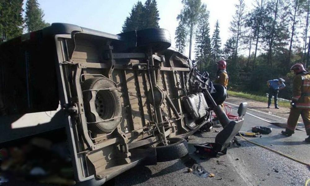 Два человека стали жертвами аварии с участием автобуса футбольной команды в Кемеровской области