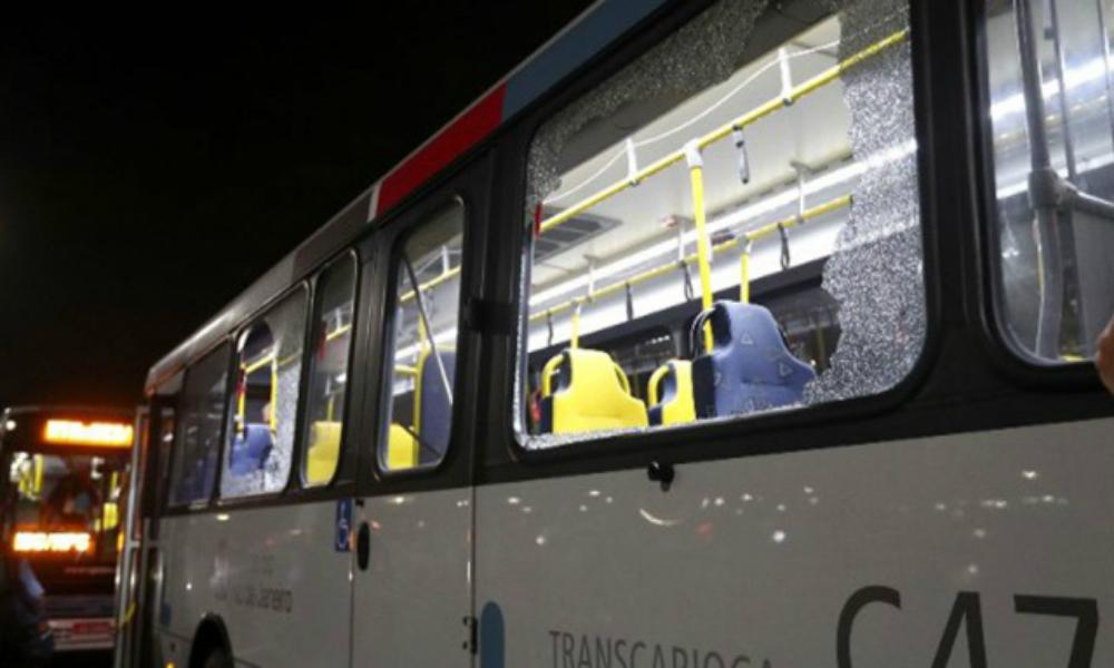 Автобус с журналистами обстреляли в Рио-де-Жанейро