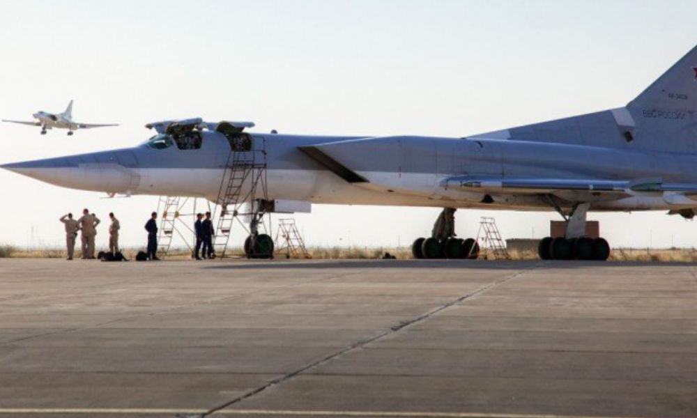 Российские бомбардировщики впервые вылетели с аэродрома Ирана и нанесли удар по боевикам в Сирии